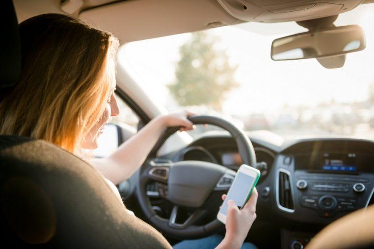 How to Drive Safely Without Avoidable Distractions