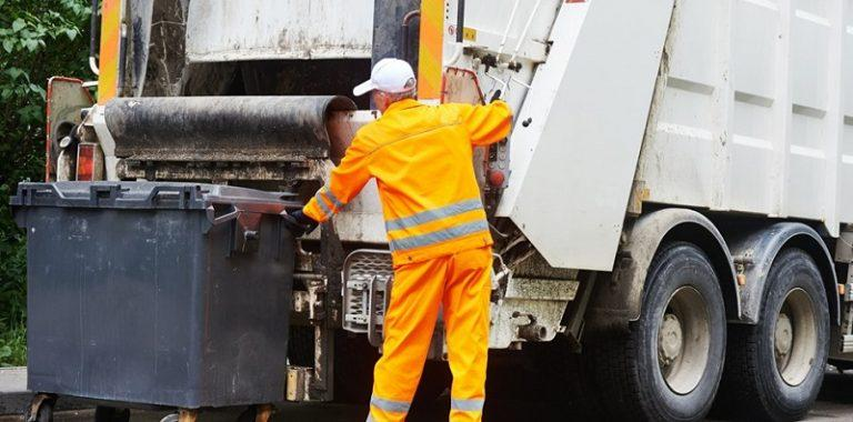 Significance of hiring regular rubbish removal services