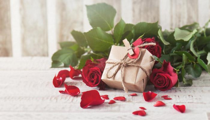 5 Valentine Gift Ideas for Girlfriend to Steal Her Heart This Year
