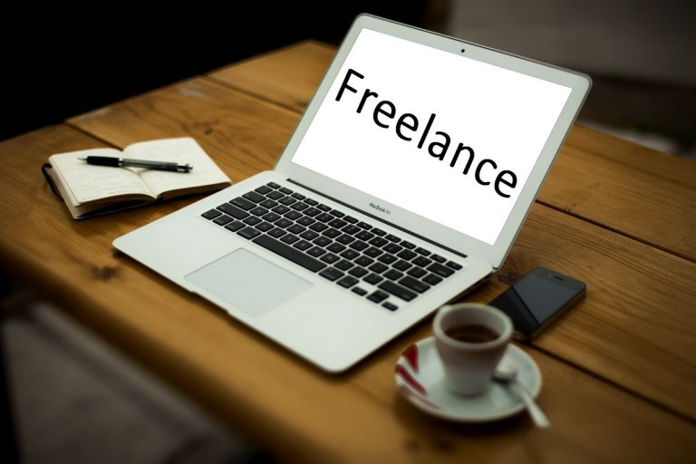 Feasibility of work and legal residence for a freelancer