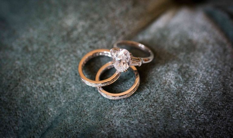 Dos and Don'ts of taking care of your diamond jewelry